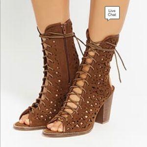 Shoes - Floral Cutout Ankle boot Sandel